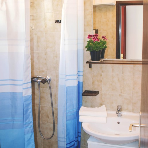 Apartment Arta Vela - bathroom - Apartments Mima Drage
