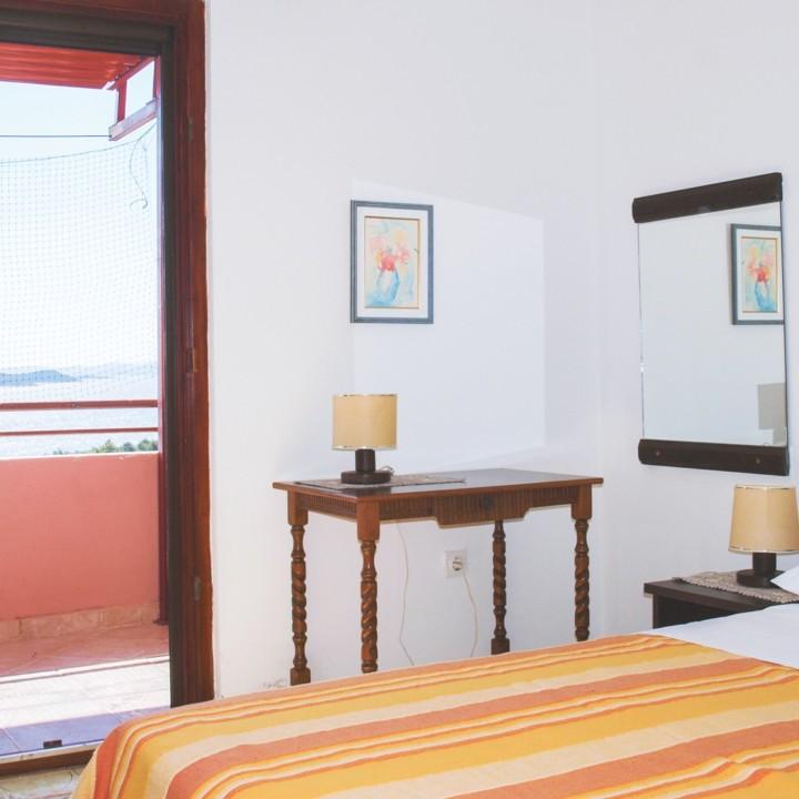 Apartment Arta Vela - bedroom - Apartments Mima Drage