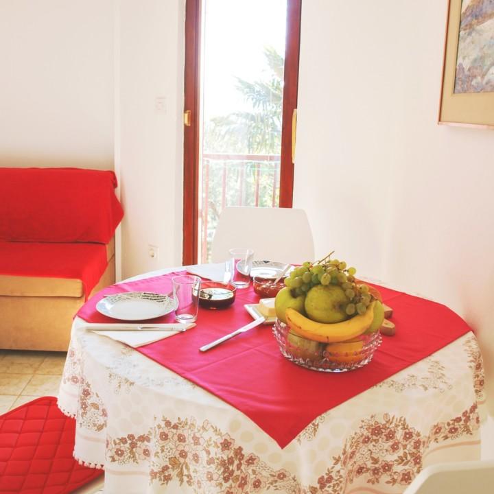 Apartment Arta Mala - dining room - Apartments Mima DrageApartment Mima 2 - Drage