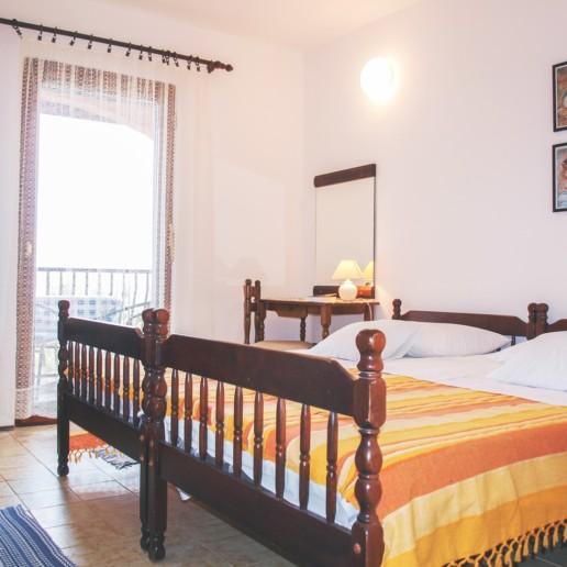 Apartment Arta Mala - bedroom - Apartments Mima Drage